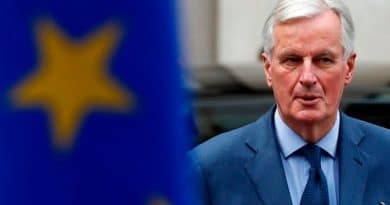 Britons in EU urge Barnier not to use them as bargaining chips