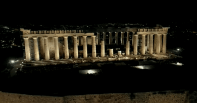 The new lighting at the Acropolis (video)