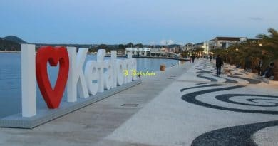 The Marmite sign in its new location as dusk fell last night (pictures)