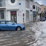 """Kefalonia – Weather: Roads, rivers from storm and hail – Lightning """"turned"""" a plane in Athens (video)"""